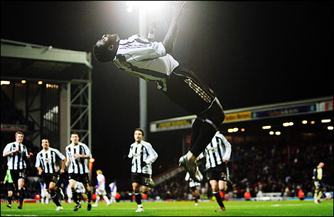 Obafemi Martins Backflip