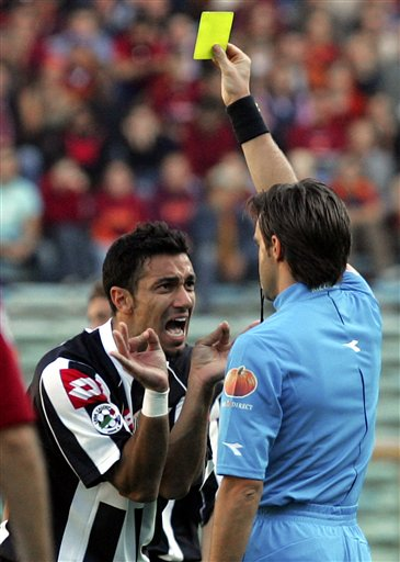 Fabio Quagliarella - complaining to the ref