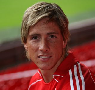 http://soccerlens.com/wp-content/uploads/2007/07/fernando-torres.jpg