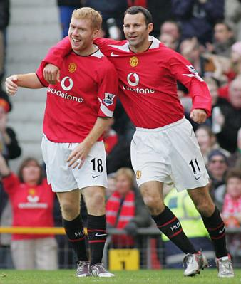 http://soccerlens.com/wp-content/uploads/2007/09/paul-scholes-and-ryan-giggs-manchester-united-legends.jpg
