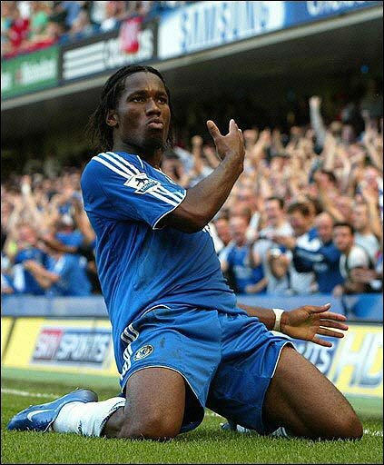 Didier Drogba - Chelsea - celebrates a goal in style