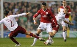 Cristiano Ronaldo outdribbling Panucci