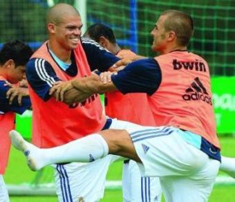 http://soccerlens.com/wp-content/uploads/2007/12/pepe.jpg