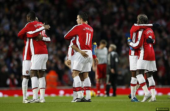 arsenal players hugging