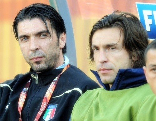 Gigi Buffon and Andrea Pirlo on the bench