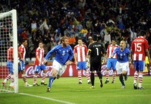 Daniele De Rossi equalized for Italy