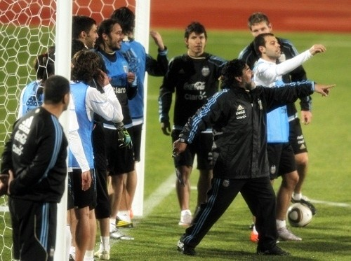Diego Maradona had the winning team in practice shoot at the losers