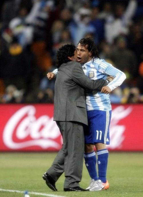 Diego Maradona with Carlos Tevez