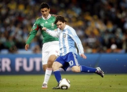 Rafael Marquez kept his Barca teammate, Leo Messi, under control