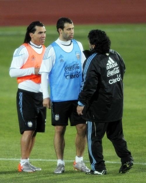 Diego Maradona with Carlos Tevez and Javier Mascherano