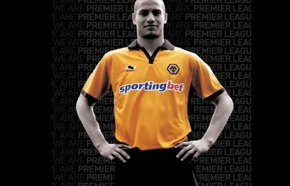 Wolves 10-11 Home Kit