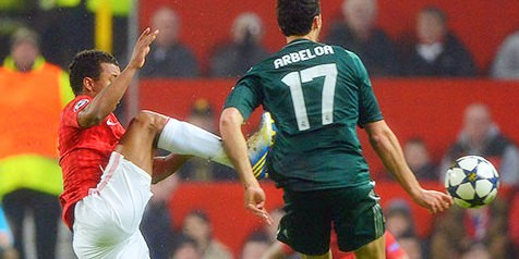 Nani fouls Alvaro Arbeloa and is sent off
