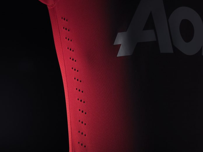 Manchester United 2013-14 home kit - Vents