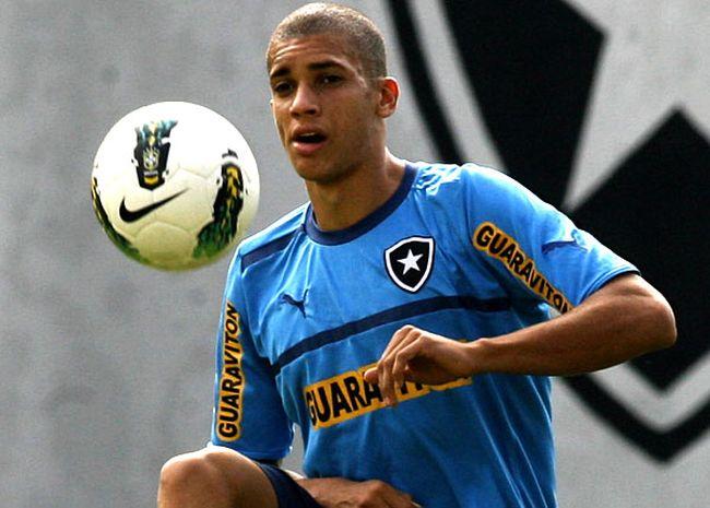 Matheus-Macedo-Doria-Botafogo