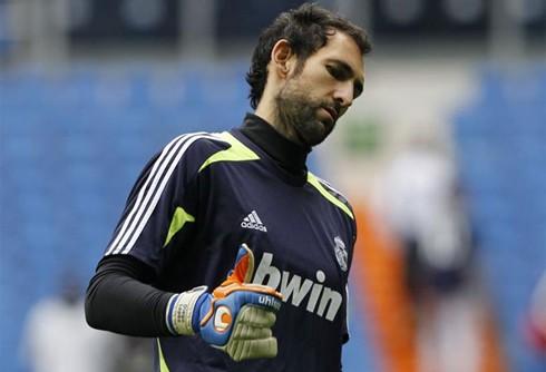 cristiano-ronaldo-626-diego-lopez-real-madrid-goalkeeper-2013