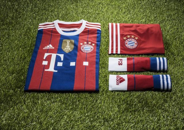 FC Bayern Mu-ª+¬nchen home on turf