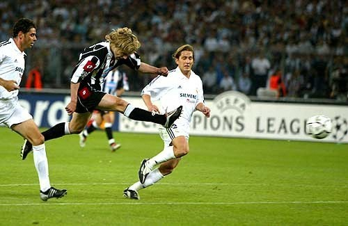 Pavel Nedved scores agains Real Madrid in the 2003 semifinal