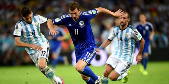 Edin-Dzeko-Bosnia-Herzegovina-vs-Federico-Fernandez-Argentina-World-Cup-2014-World-Cup-2014-1025x681