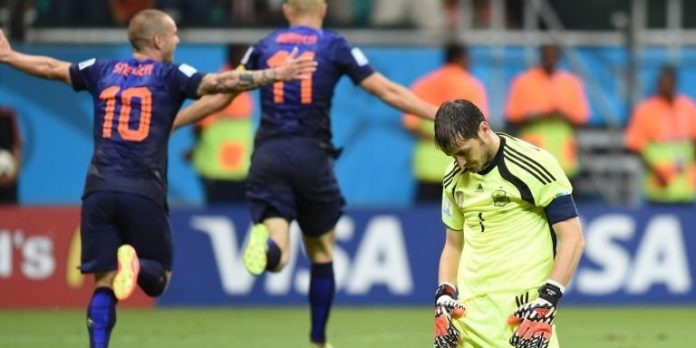 spain-holland-casillas_3157579