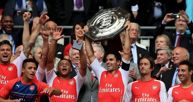arsenal-captain-mikel-arteta-celebrates-with-the-trophy-during-community-shield_3188342