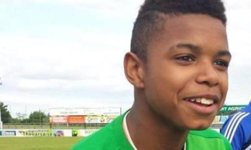 Un-Francais-de-13-ans-signe-a-Chelsea_article_hover_preview