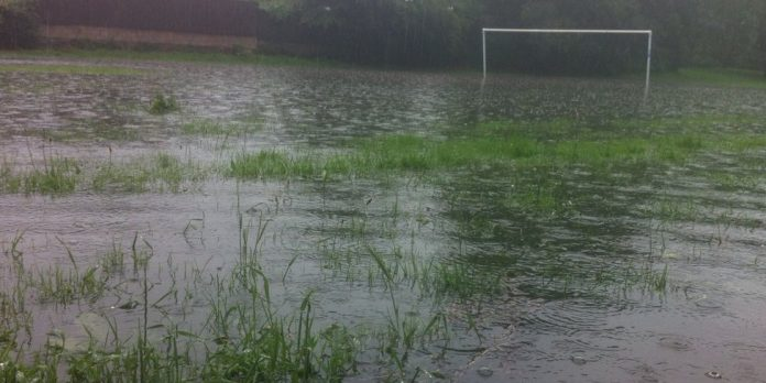 _61418185_valley_road_daybrook_laura_foster