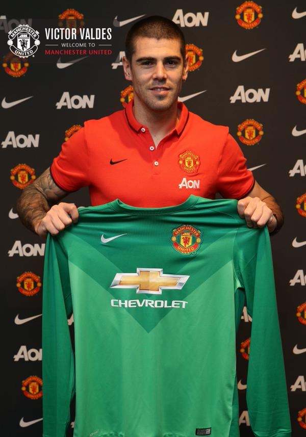 Victor Valdes has had a fall out with Van Gaal at Manchester United