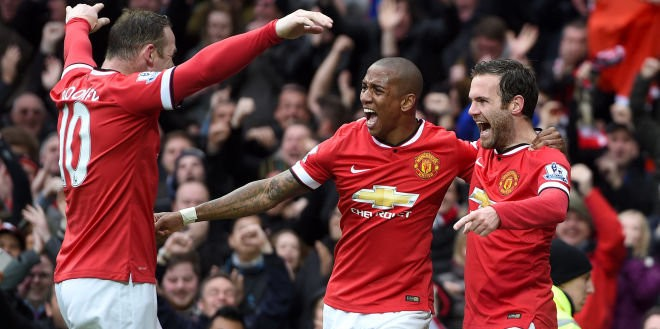 juan-mata-ashley-young-wayne-rooney-manchester-united-city-derby-goal-celeb_3289745