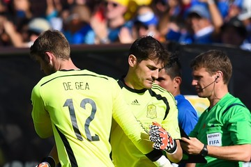 David De Gea is set to replace Iker Casillas at Real Madrid