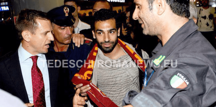 Chelsea Transfer news: Mohamed Salah spotted with Roma scarf