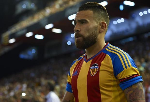 Otamendi set to complete €50m transfer to Manchester City