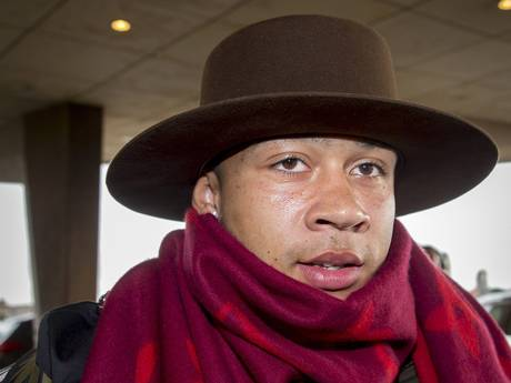 Goldfinger: Depay arrives on international duty sporting a hat, scarf and a pair of golden shoes