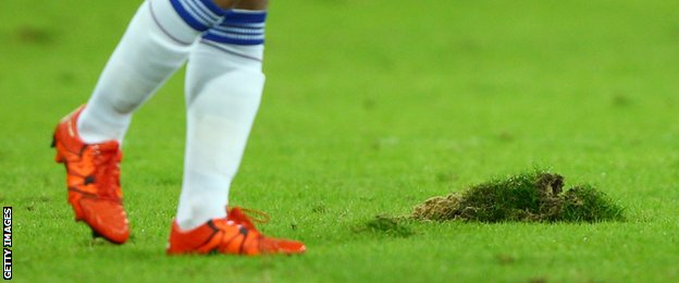 Poor condition of the pitch against Maccabi