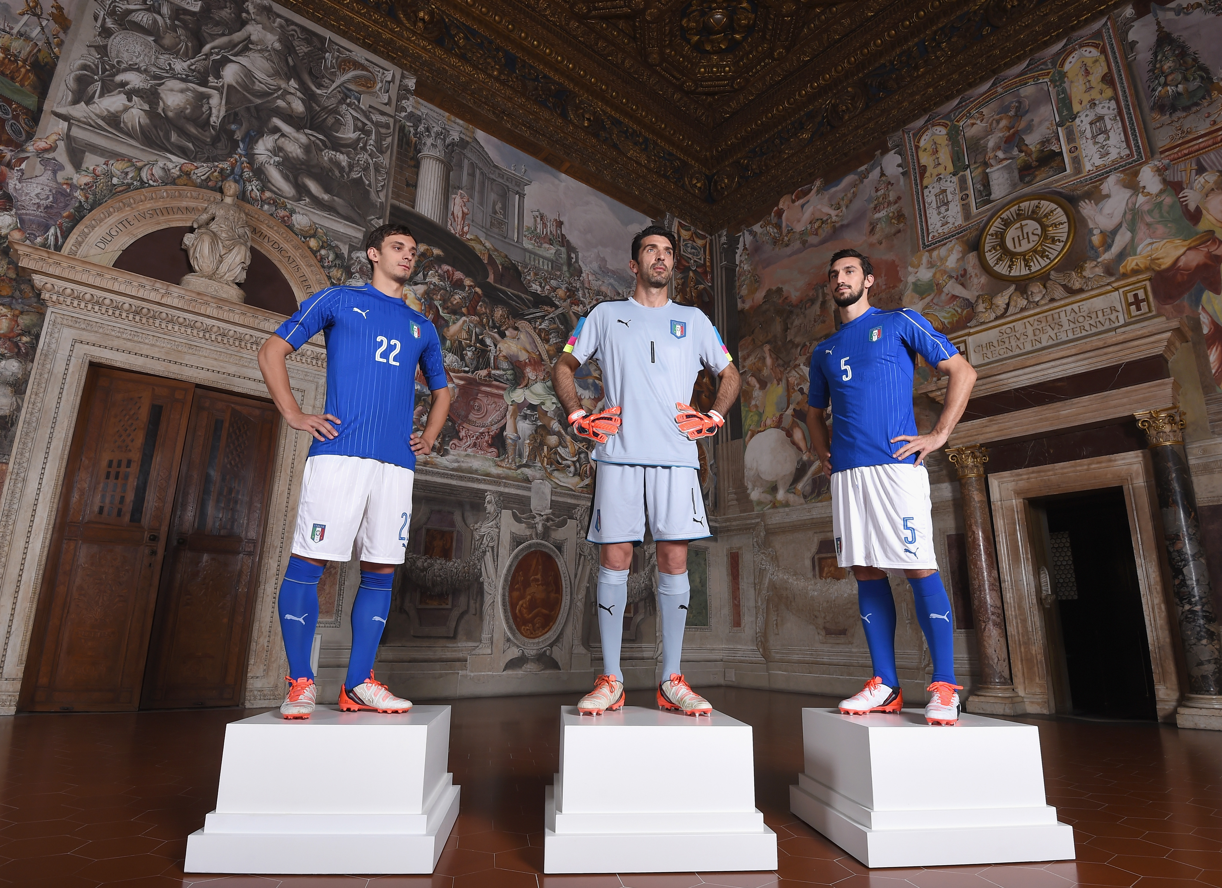 Italy Unveils New Home Kit
