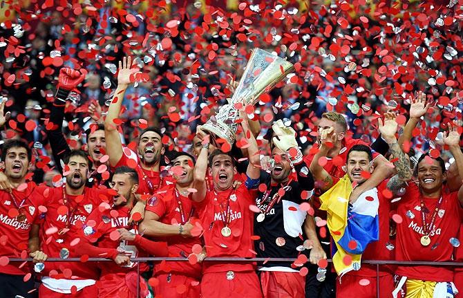 sevilla_trophy