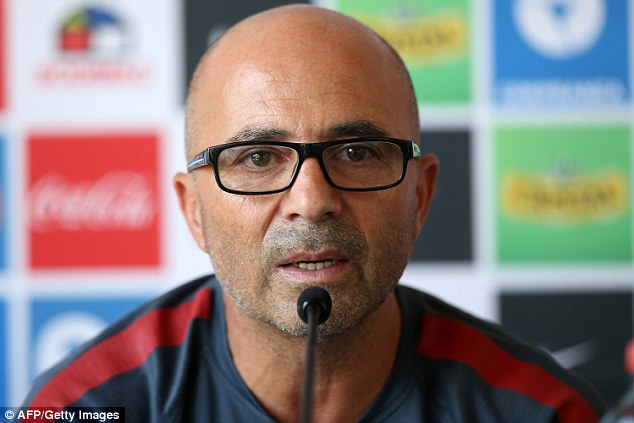 Sampaoli is the favourite to replace Enrique at Barça.