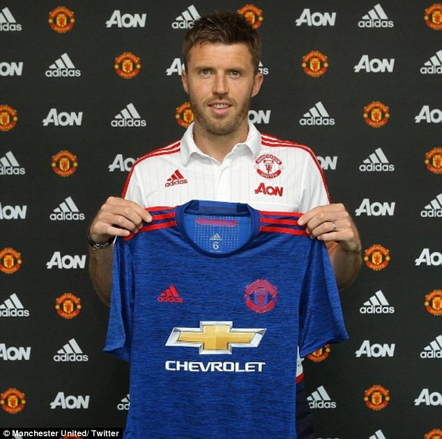 3517EAB300000578-3633405-English_midfielder_Michael_Carrick_has_signed_a_one_year_contrac-a-129_1465482282078