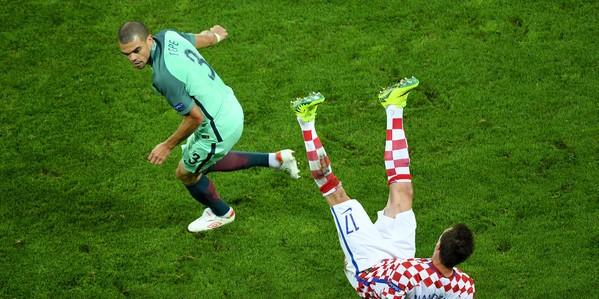 Pepe+Croatia+v+Portugal+Round+16+UEFA+Euro+YtUmsNYFG13l
