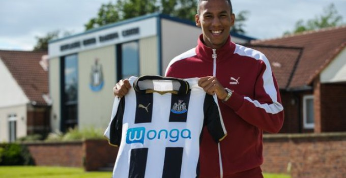 Newcastle-United-Unveil-New-Signing-Isaac-Hayden