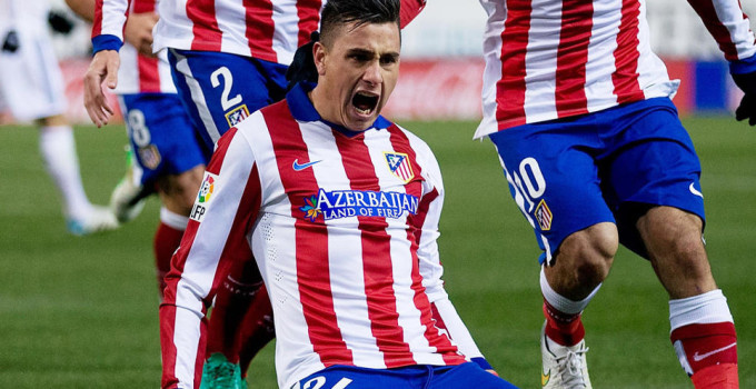 MADRID, SPAIN - JANUARY 07:  Jose Maria Gimenez of Atletico de Madrid celebrates scoring their second goal with teammates during the Copa del Rey Round of 16  first leg match between Club Atletico de Madrid and Real Madrid CF at Vicente Calderon Stadium on January 7, 2015 in Madrid, Spain.  (Photo by Gonzalo Arroyo Moreno/Getty Images)