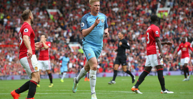 MANCHESTER, ENGLAND - SEPTEMBER 10:  Kevin De Bruyne of Manchester City celebrates scoring his sides first goal during the Premier League match between Manchester United and Manchester City at Old Trafford on September 10, 2016 in Manchester, England.  (Photo by Alex Livesey/Getty Images)