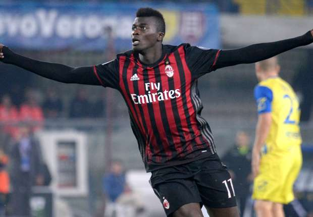 Milan's Mbaye Niang scored a fine goal against Chievo.