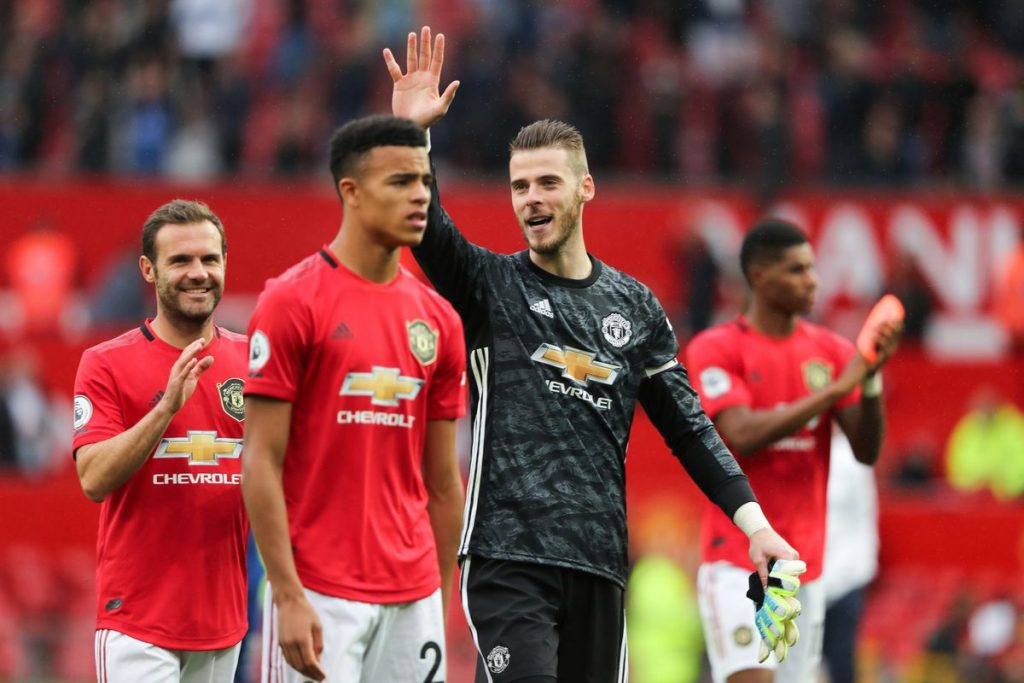 Ferdinand backs Solskjaer to turn United ship around
