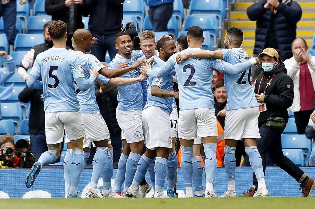 El gol tardío de De Bruyne le valió al Manchester City el empate 2-2 en el Liverpool