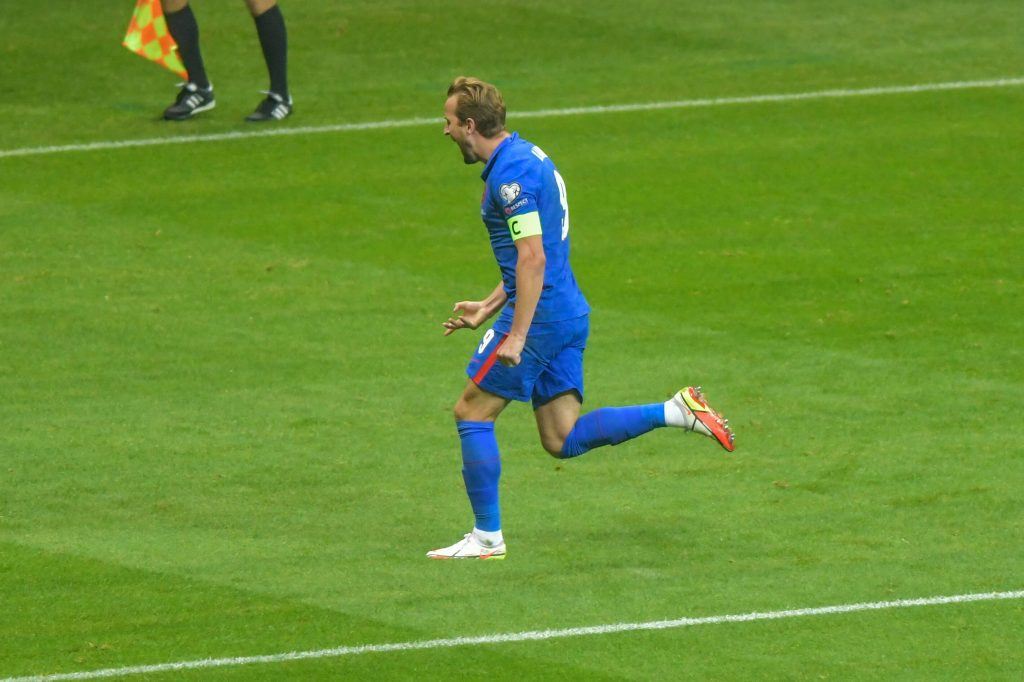 Gary Lineker y Alan Shearer reaccionan al gol de la estrella del Tottenham para su país